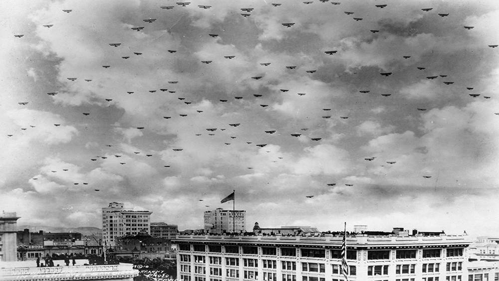 Military planes over San Diego, 1918